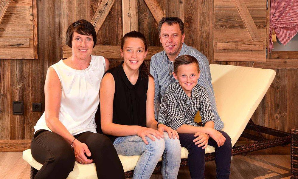 Wij, dat zijn Armin en Sarah Obexer met onze kinderen Anna Lena & Lukas