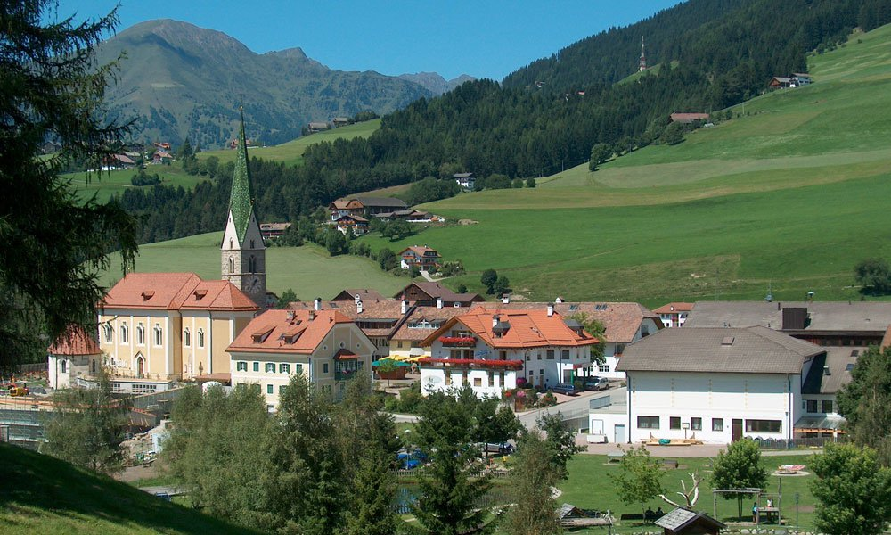 Sunny holidays in your hotel in the Pusteria Valley